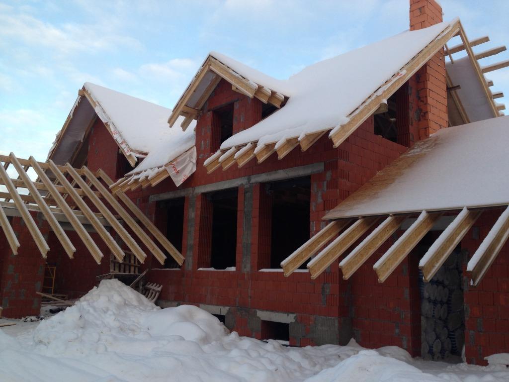 Наши специалисты с особой ответственностью относятся как к возведению самого дома